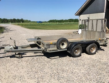 Williams GP 106 GM 3500kgMaskintrailer nysynet med plader