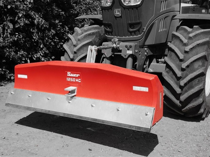 Suer 1250 kg med skrabe funktion
